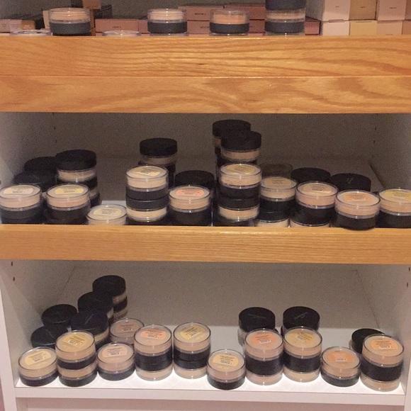 ORIGINAL and MATTE loose powder foundation.
